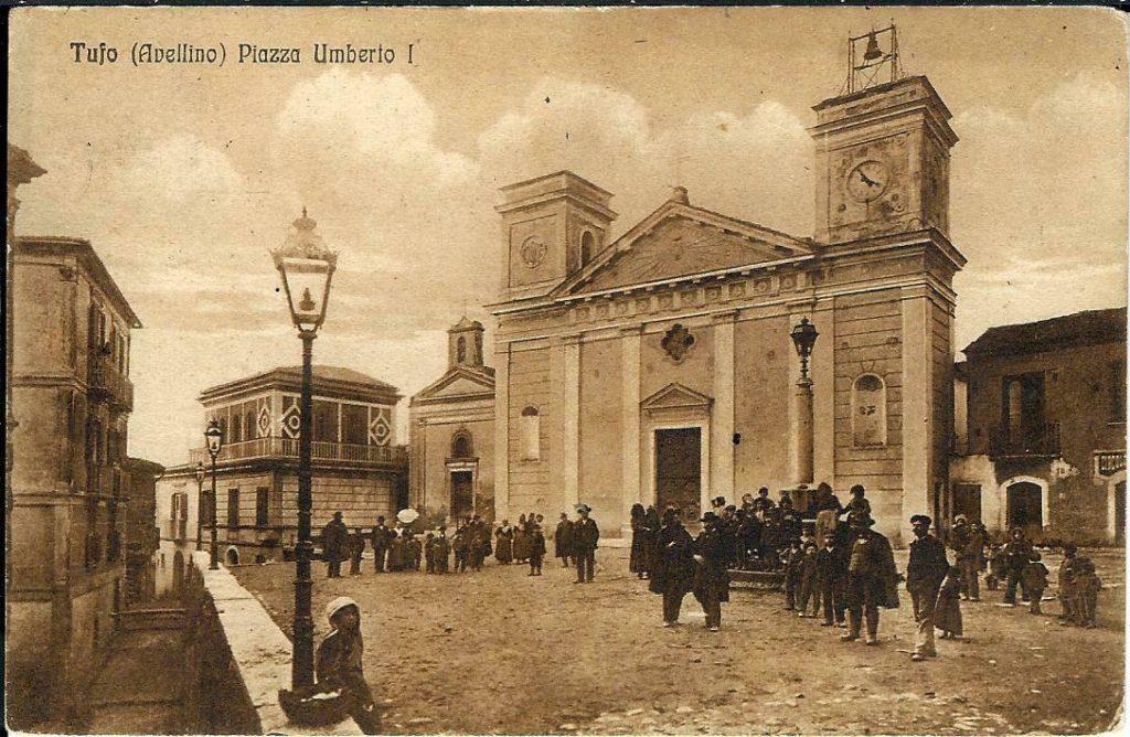 Tufo, foto della piazza Umberto primo